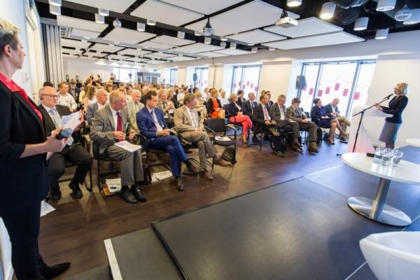 """Konferencja """"Szczyty innowacji"""" na podsumowanie Polsko-Szwajcarskiego Programu Badawczego"""